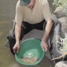 Orpaillage en rivière