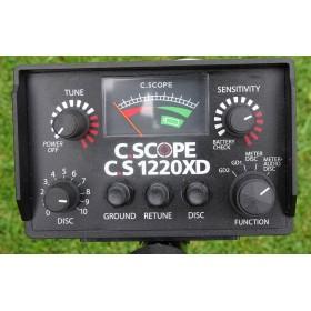 Les différents contrôles du 1220 XD